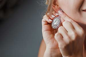 What Type Of Earrings Should You Rock Thi...